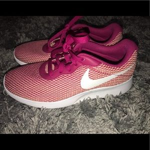 Nike Pink Athletic Shoes Size Women's 7